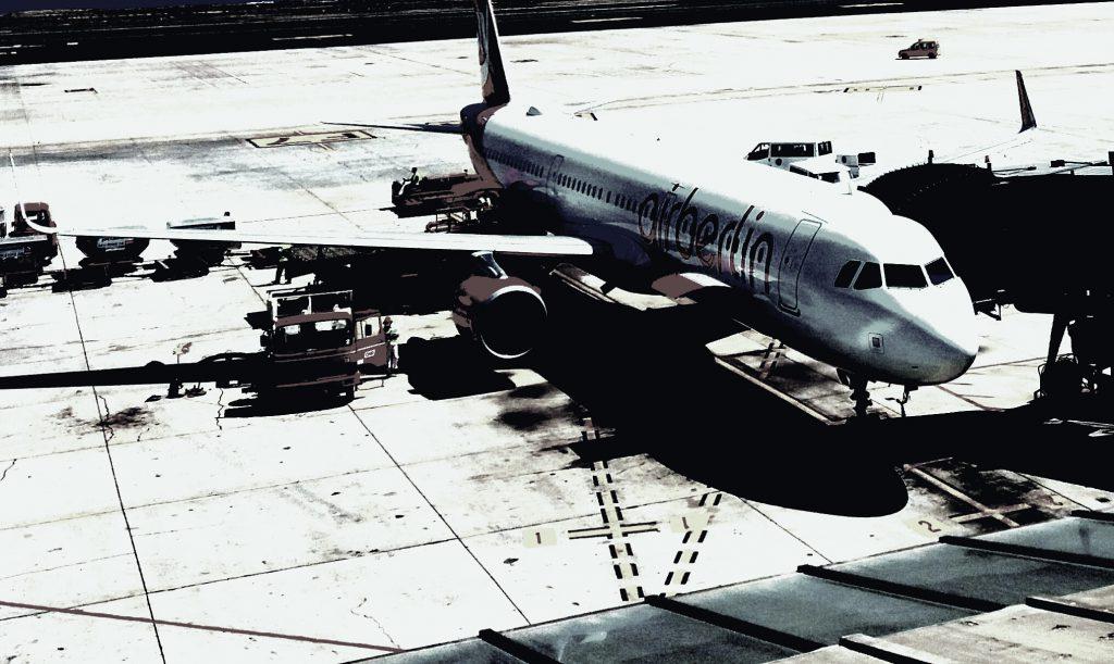 El agente de Spain detectives toma el primer vuelo a la isla y se dirige a la zona marcada por la agencia para la localización persona desaparecida